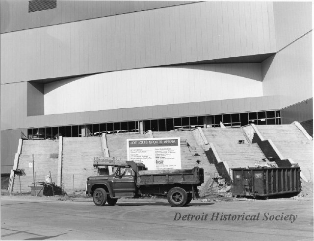 Joe Louis Arena steps under construction, 1979 - 2008.033.527