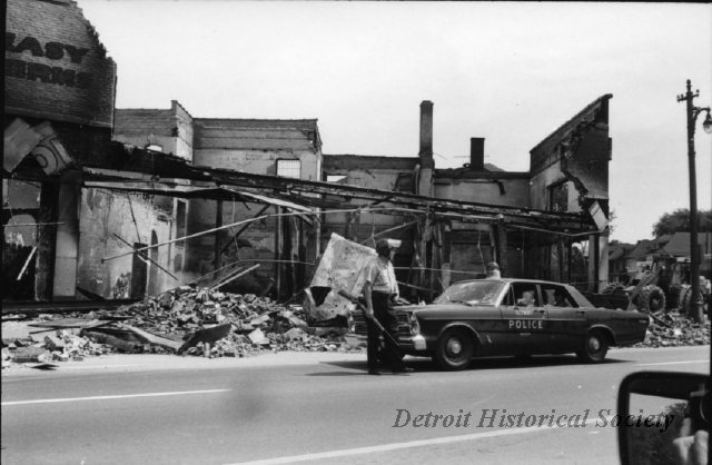 Photo taken during the Riots of 1967 - 2012.008.080