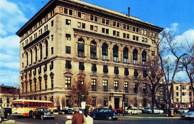 Postcard showing the Detroit Athletic Club, designed by Albert Kahn, 1950s - 2012.045.152