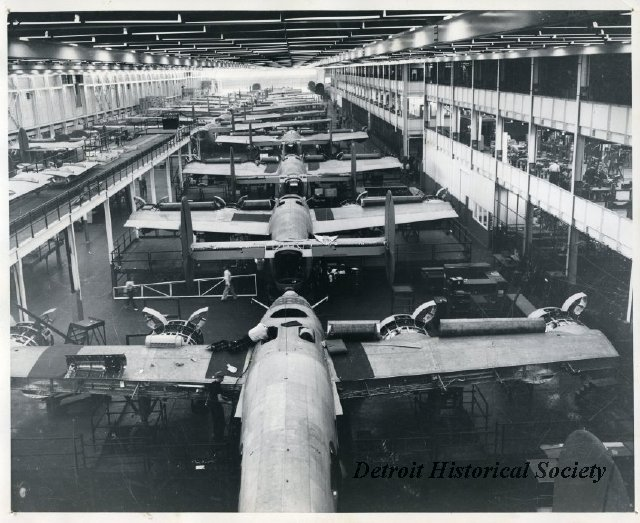 B-24s being built at Willow Run, 1944 - 2013.045.381